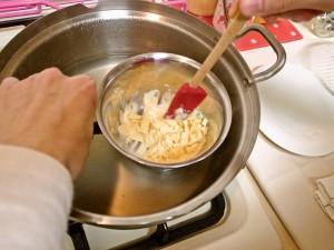 ホワイトチョコレート 湯煎
